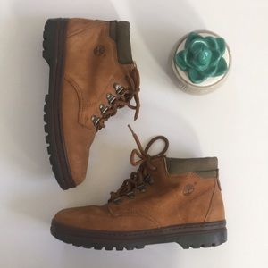 { Timberland } Nellie Chukka leather Short boot